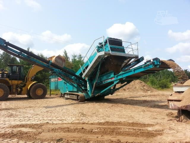 2013 POWERSCREEN CHIEFTAIN 1400