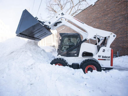 Bobcat Bucket, Snow and Light Material (Loaders)